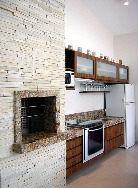 Revestimento de parede com pedra canjiquinha na cozinha17