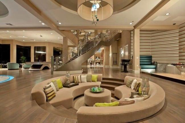 Sala moderna e sofisticada de mansão