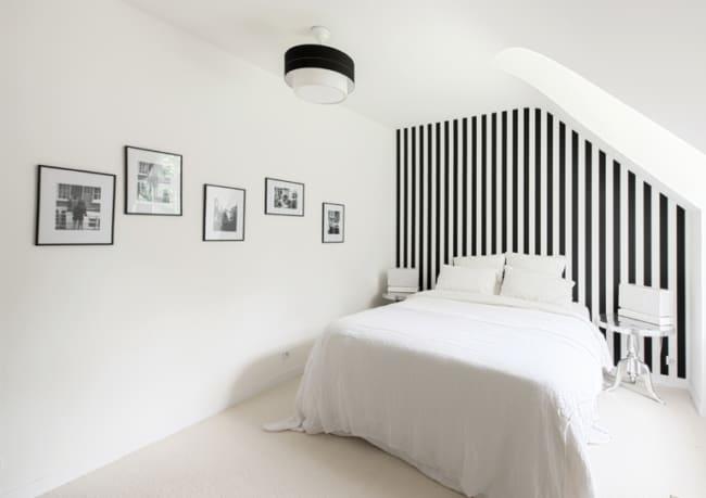 Sugestão de quarto minimalista em branco e preto