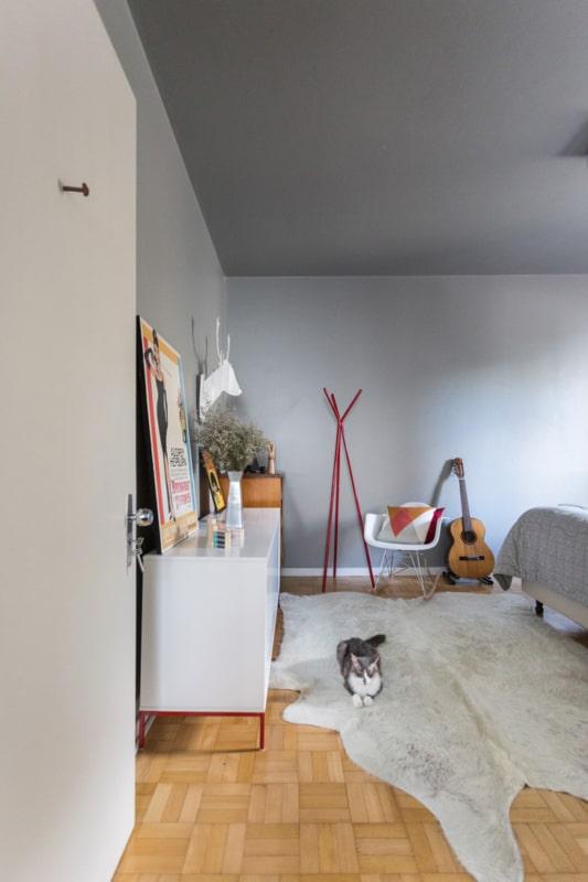 Tapete de couro legítimo na decoração do quarto