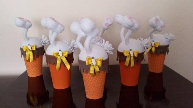 Vasinhos com coelhinhos para dar de lembrancinhas na Páscoa