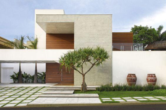 casa grande com cerâmica