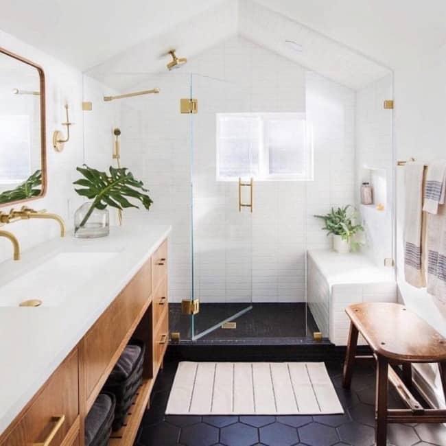 chuveiro dourado de teto
