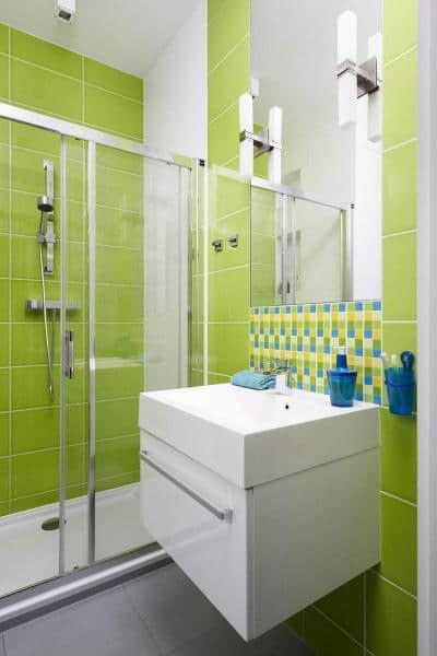 cor greenery no banheiro