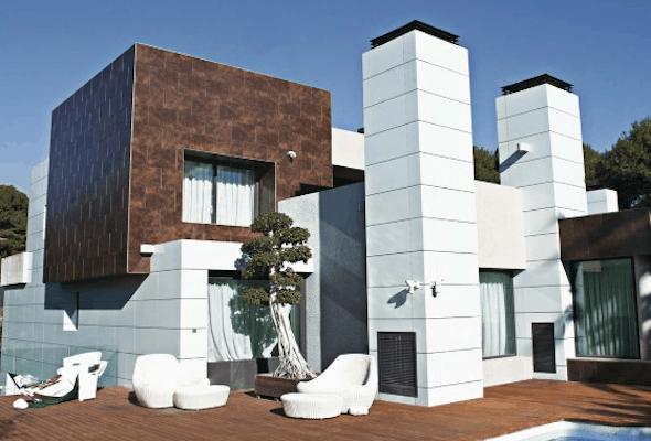 frente de casas com cerâmica