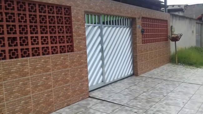 muro grande de casa com cerâmica