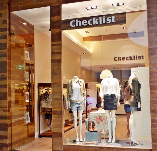 nome em inglês para loja de roupas feminina
