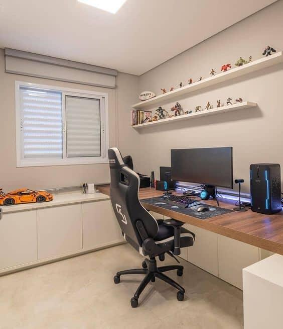mesa de computador com cadeira gamer