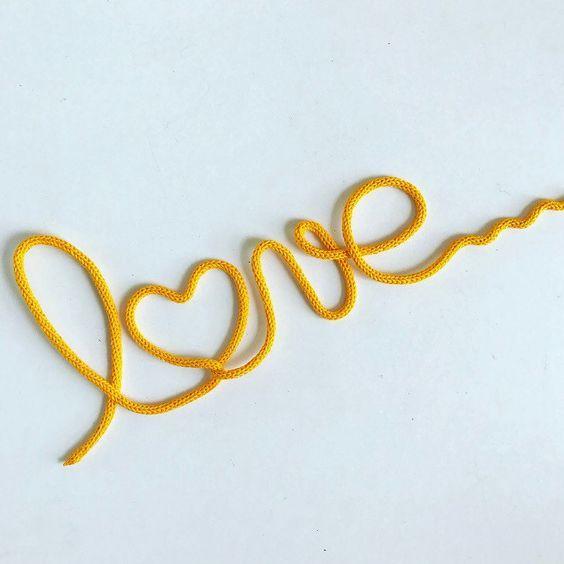 palavra decorativa em i cord