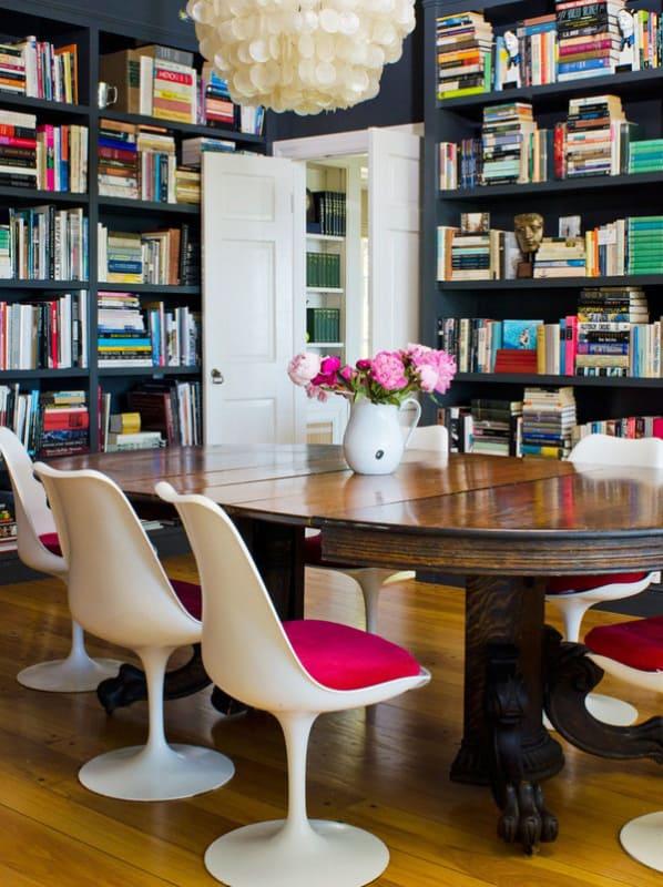 cadeira tulipa com almofada pink