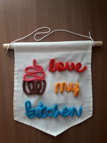 flâmula decorativa para cozinha em tricotin