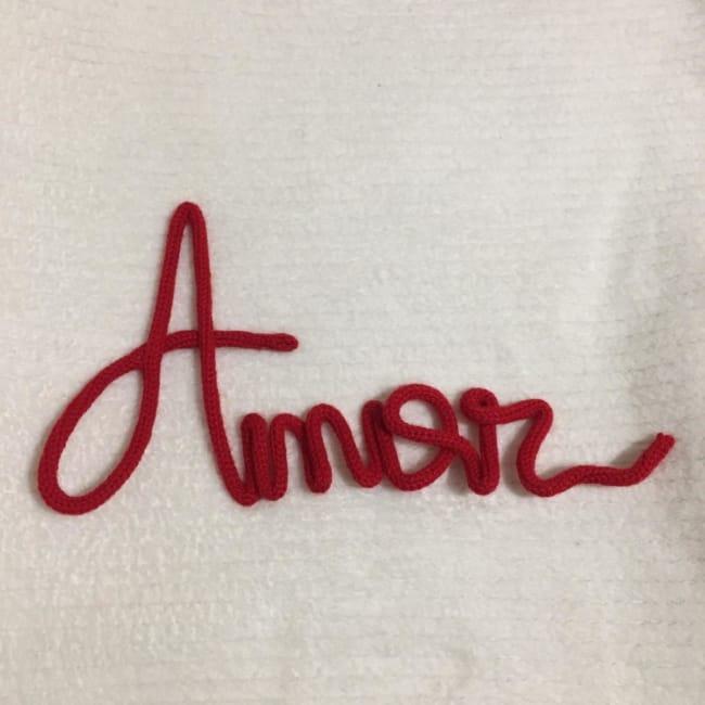 palavra amor em tricotin
