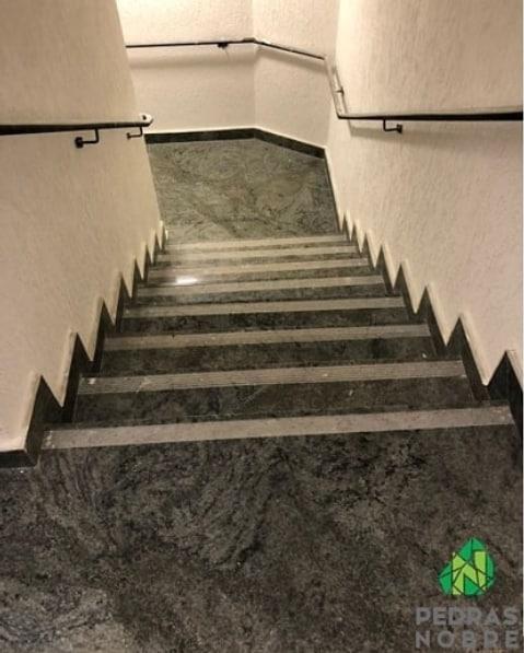 escada de granito verde candeias
