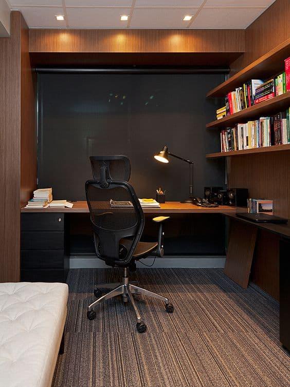 escritório com cadeira presidente