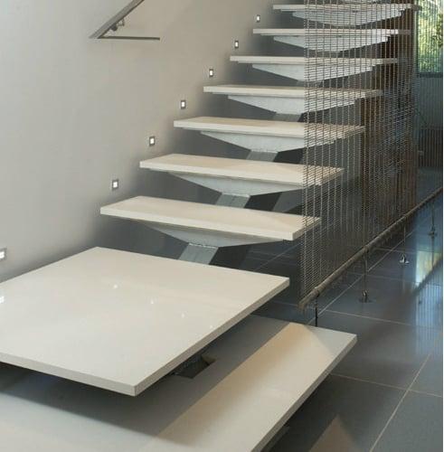 escada moderna em silestone