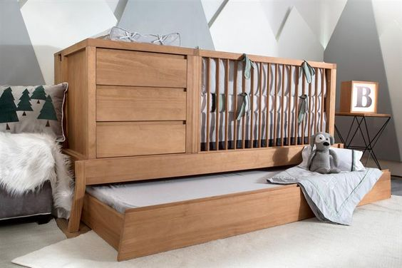 berço de madeira com cama auxiliar