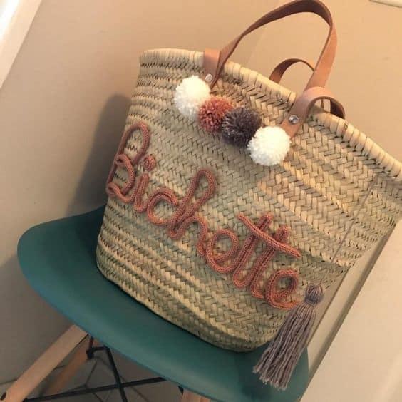 bolsa de praia decorada com tricotin