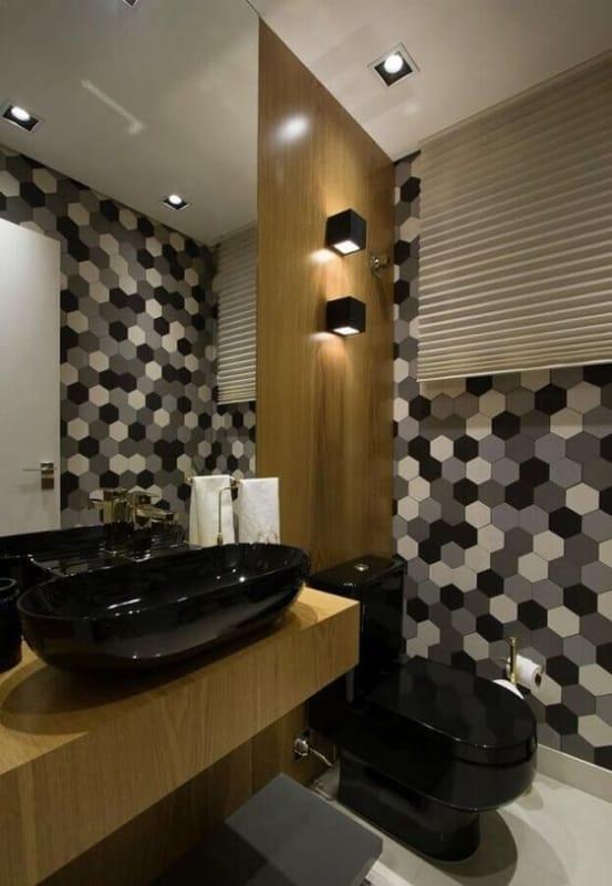 banheiro com louças pretas