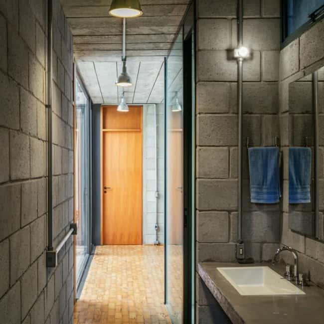 Blocos de concreto acabamento do banheiro