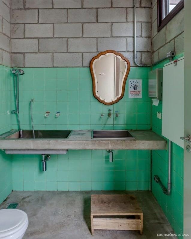 Blocos de concreto para acabamento do banheiro
