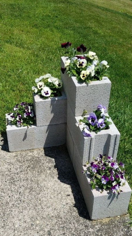 Blocos de concreto para decorar seu jardim