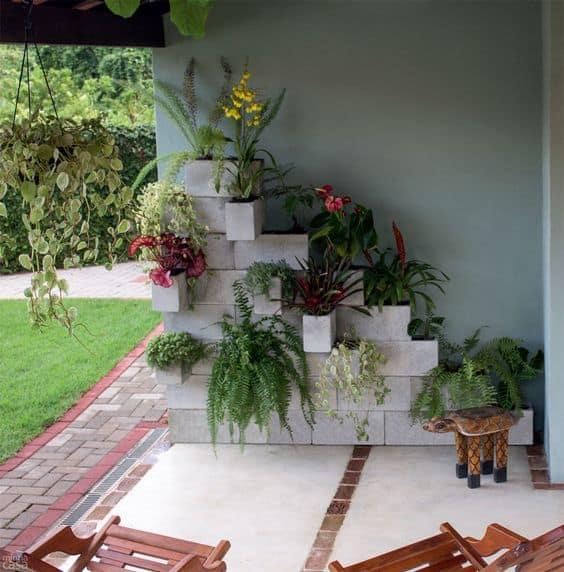 Blocos de concreto para montar um belo jardim