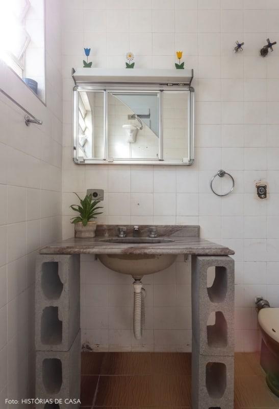 Blocos de concreto para pia do banheiro