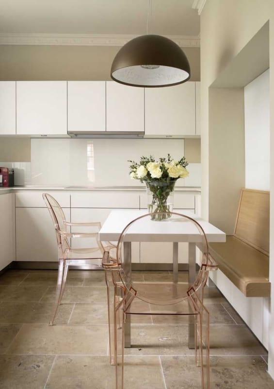 Cor palha em cozinhas pequenas