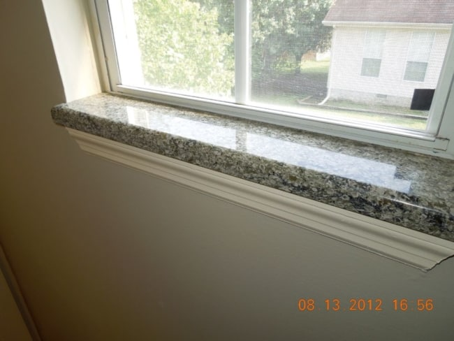 Estilo de soleiras de granito na janela