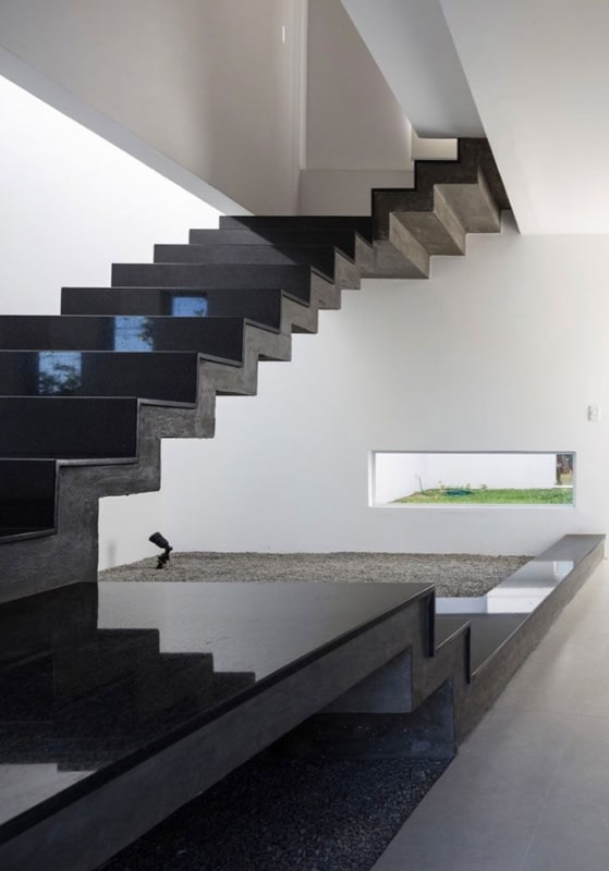 Granito São Gabriel na escada