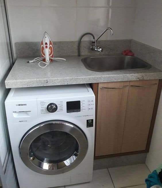 Lavanderia com granito branco siena