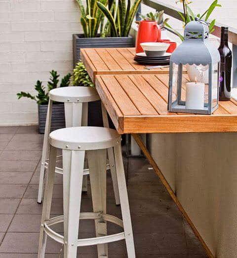 Mesa dobrável de parede para churrasco pequena