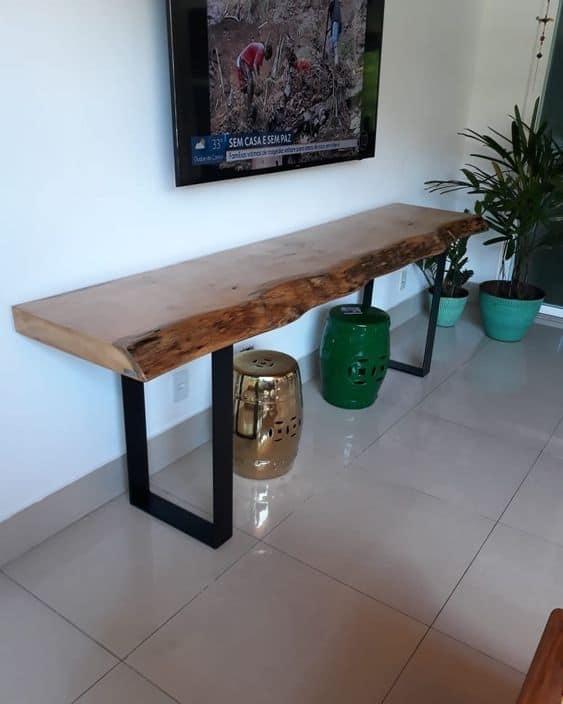 Modelos de aparador de madeira rústica para sala de estar