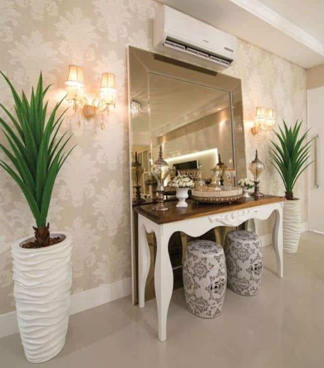 Modelos de aparador para sala branco com tampo de madeira
