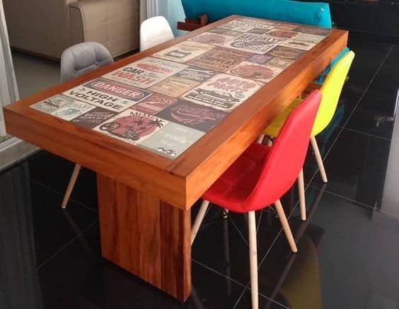 Modelos de mesa de jantar de madeira de demolição com ladrilho retrô