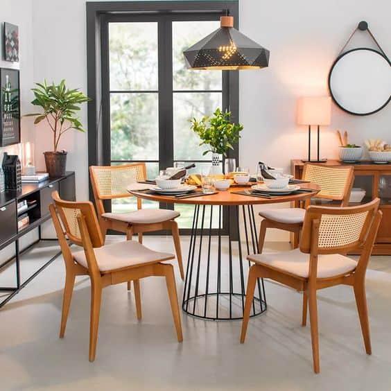 Modelos de mesa de jantar redonda de madeira com base de ferro de 6 lugares