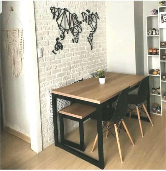 Outro dos modelos de mesa de jantar industrial com banco e cadeiras