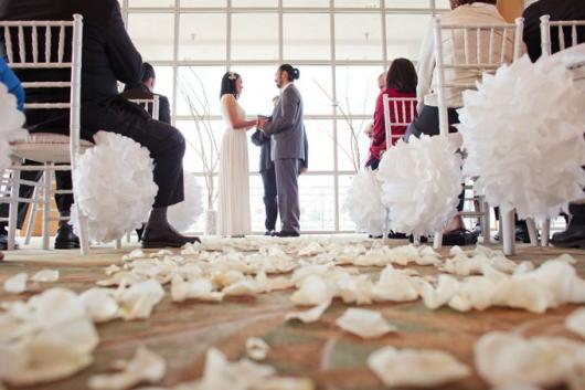 Pompom de papel crepom em casamento