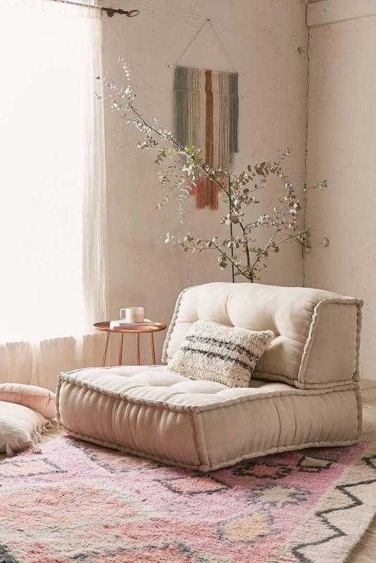 Sala de estar com Cor palha