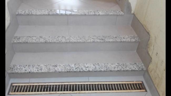 Soleiras de granito nas escadas