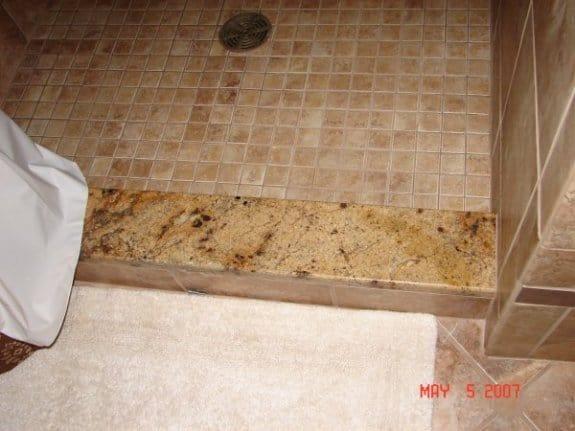 Soleiras de granito no banheiro