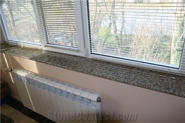 Soleiras de granito no beiral da janela