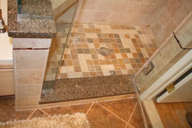 Soleiras de granito no box do banheiro 1