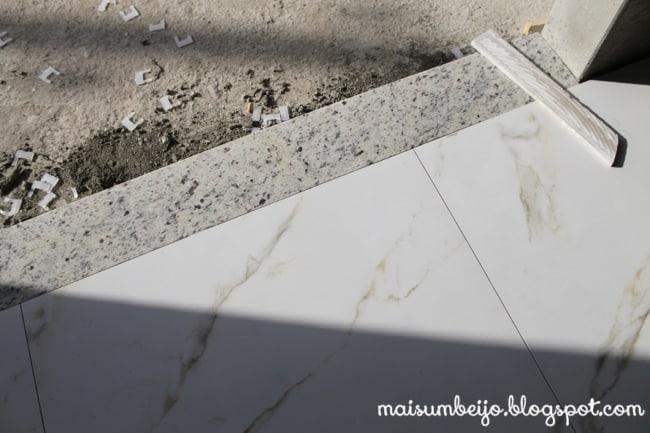 Soleiras de granito no chão da entrada