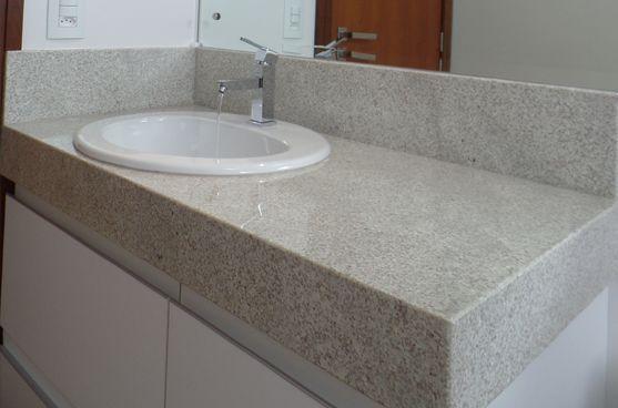 banheiro com granito branco Itaúnas