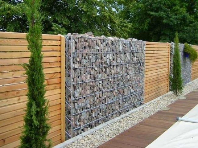 muro de madeira cerca