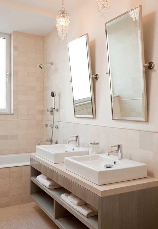 pequeno banheiro com Cor palha