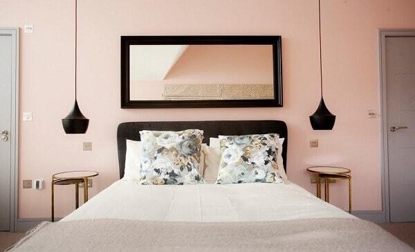 quarto clean com cor nude
