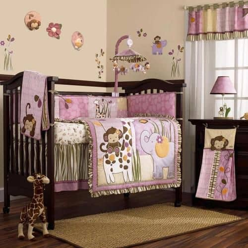quarto de bebê safari parede rosa