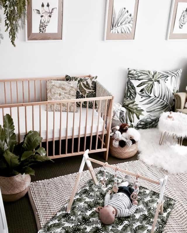 quarto de bebê safari simples